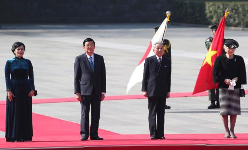 Vietnam's President Tan Sang, and his wife Thi Hanh attend a welcoming ceremony with Japan's Emperor Akihito and Empress Michiko at the Imperial Palace in Tokyo